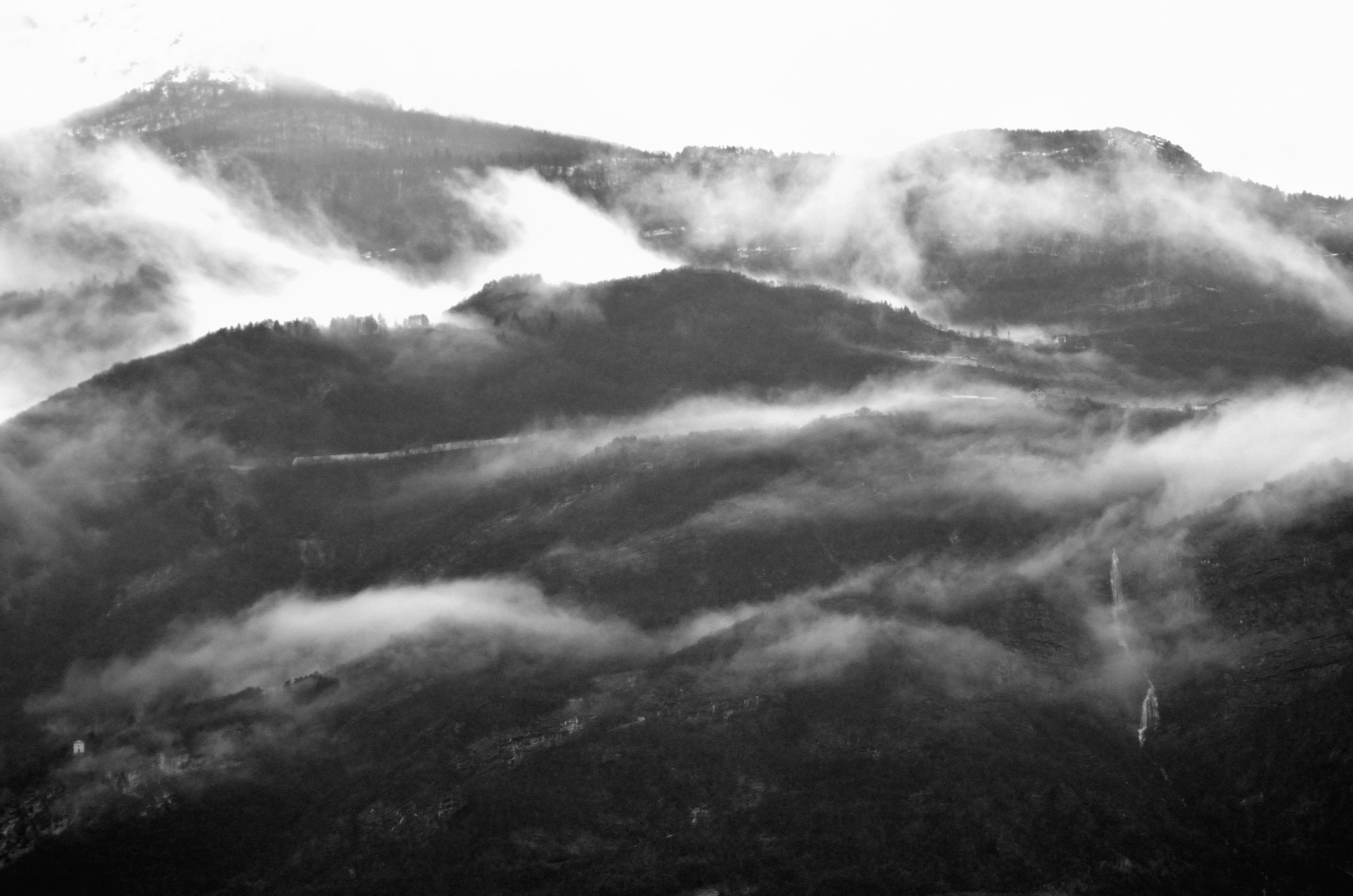 Nuvole Basse in Bianco Nero (NB-BN)