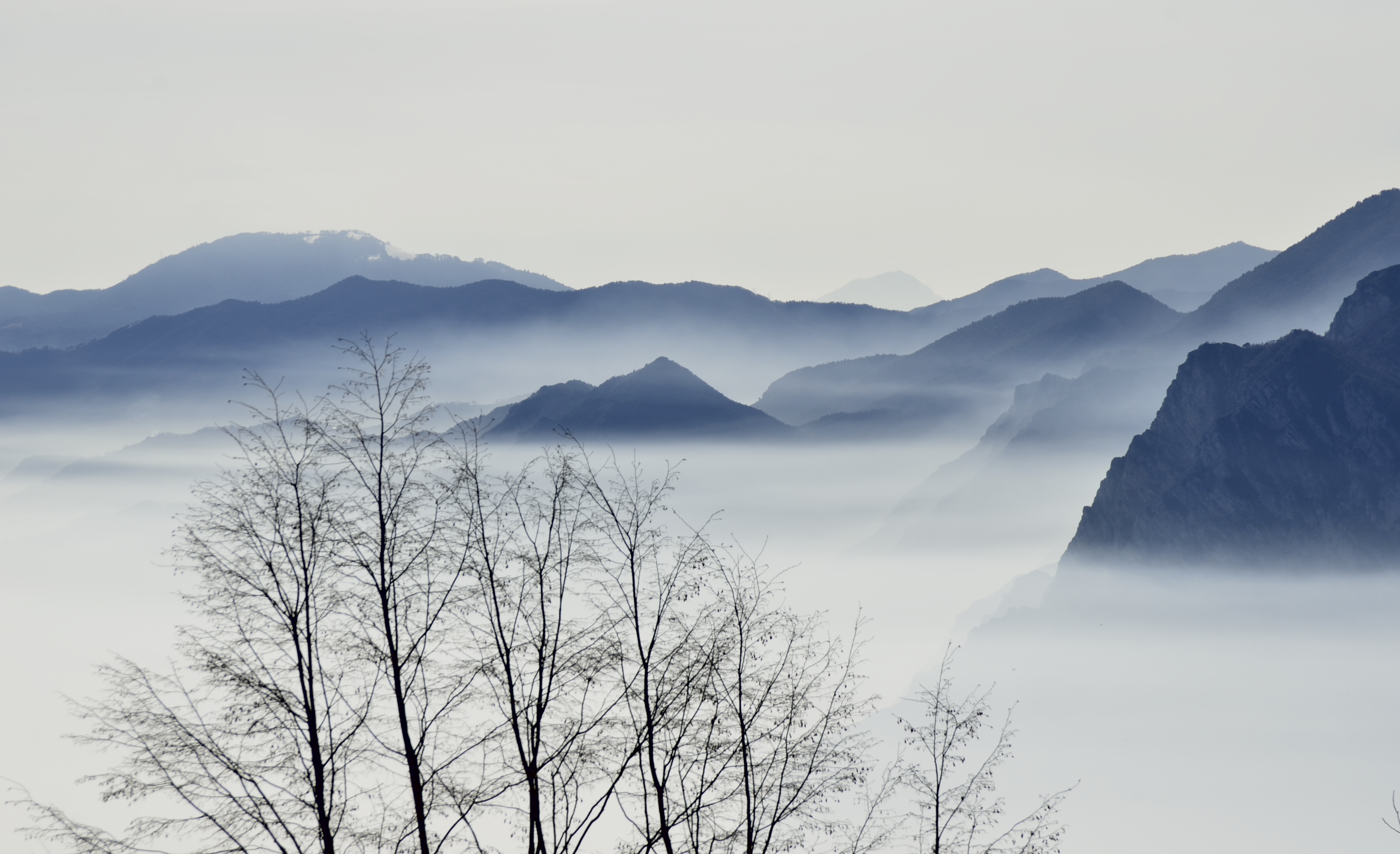 Panorama mozzafiato (anche se con foschia) da Maso Naranc a Pannone di Mori (TN)