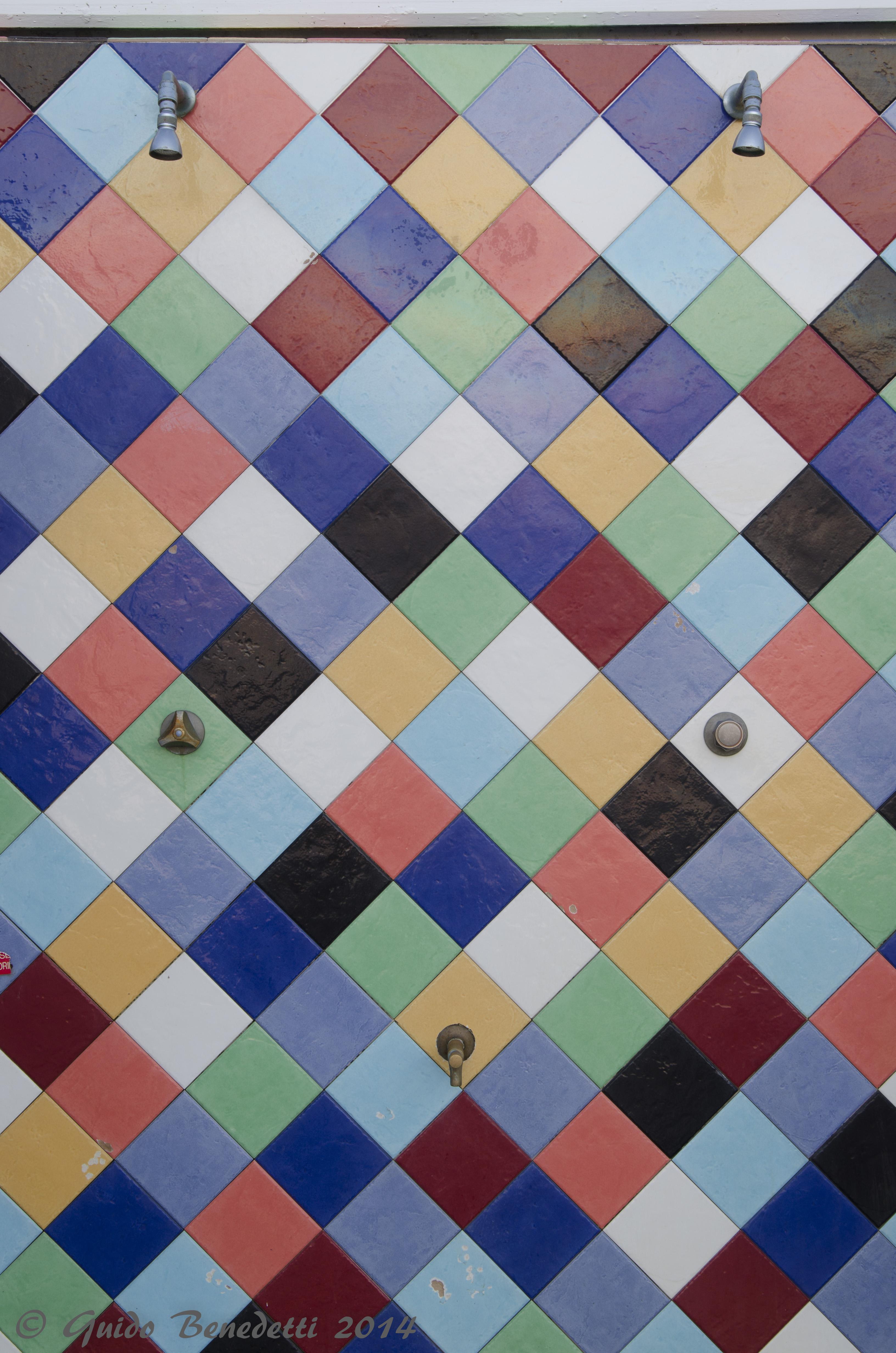 Doccia multicolore al Bagno Pic-nic