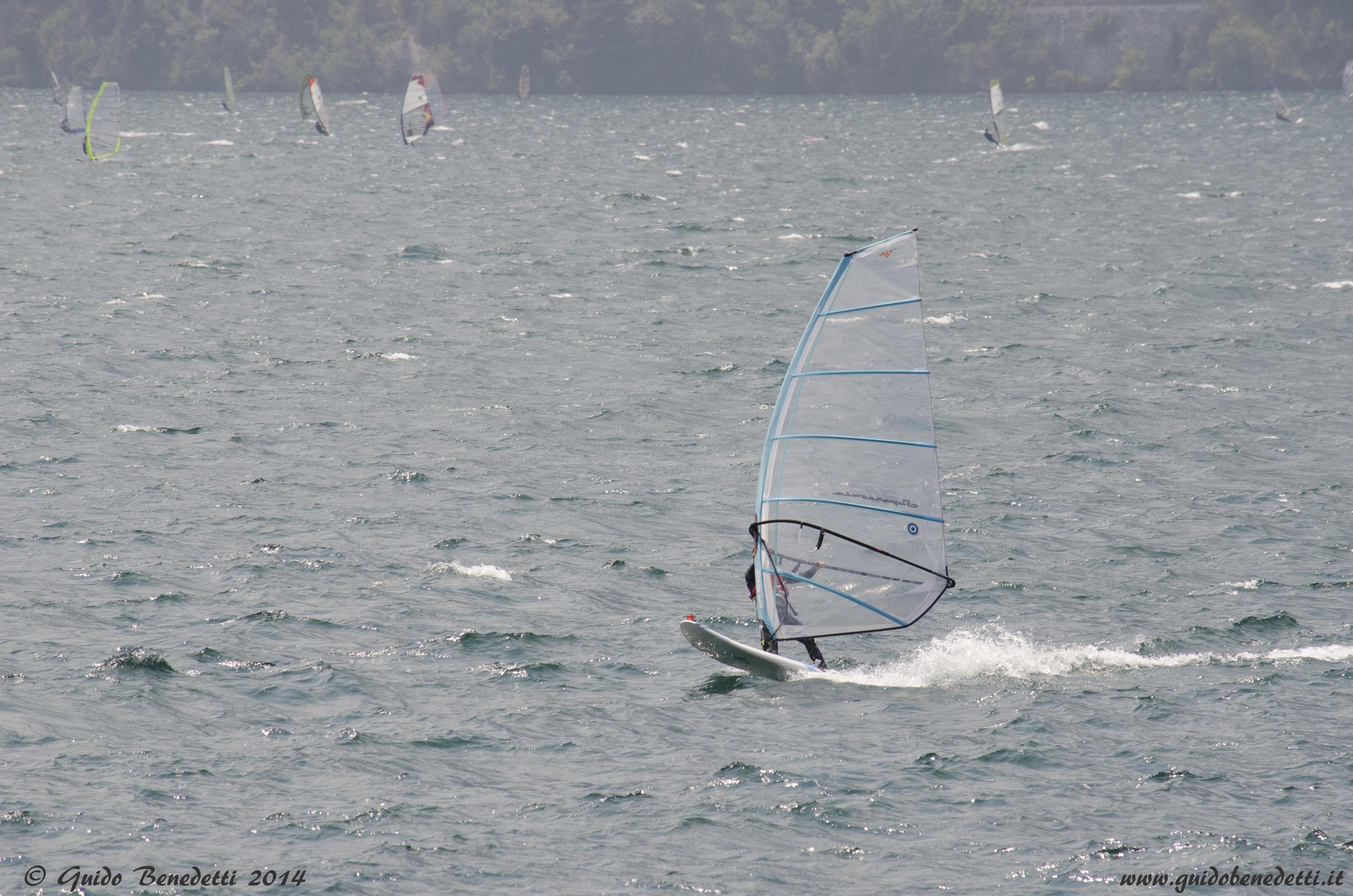 Vela e tavola sul lago di Garda