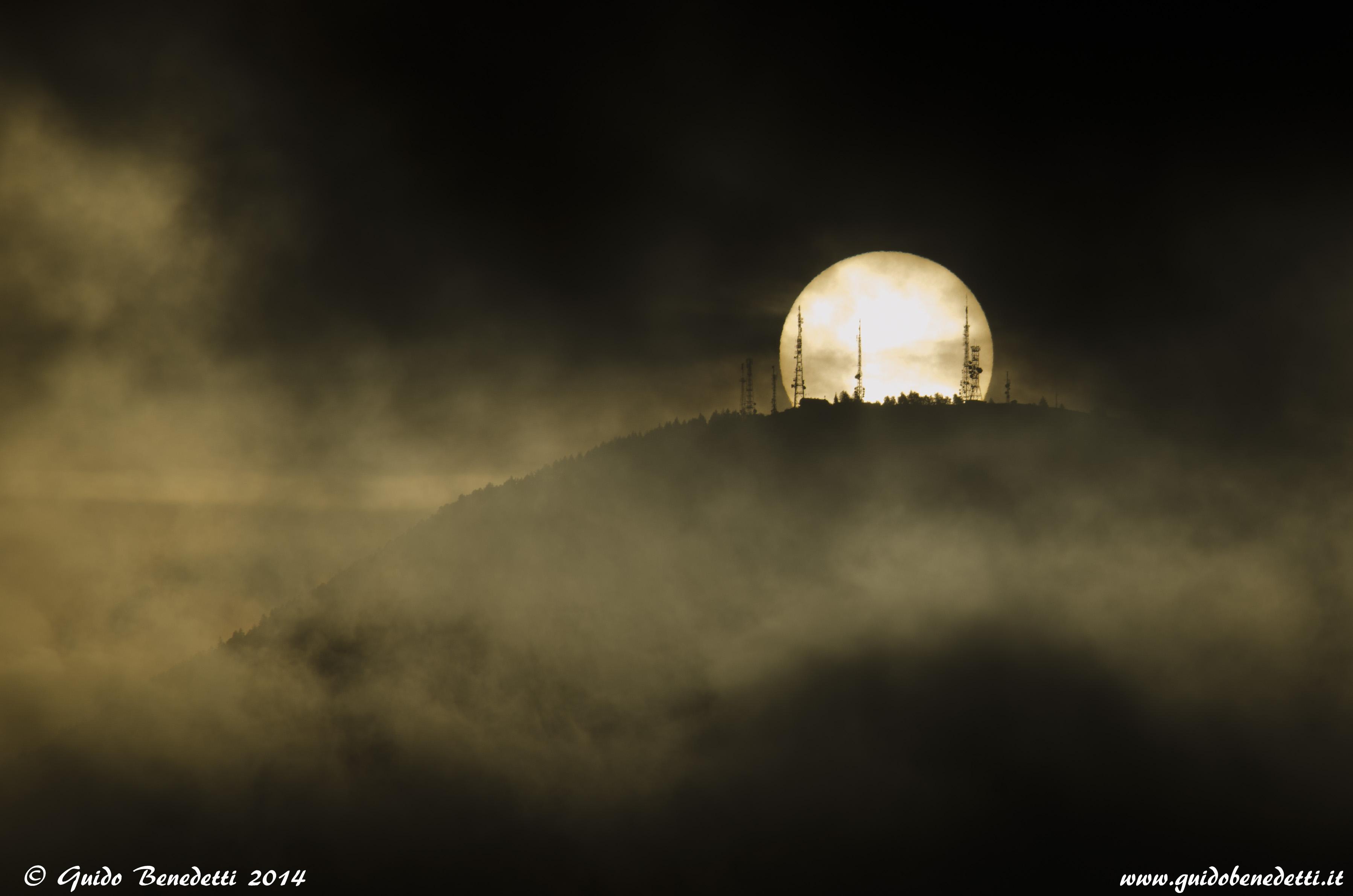 """Il Sole sorge """"sul"""" monte Finonchio"""