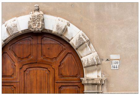 I numeri di Palazzo Salvadori lungo la #ViaImperiale a #Mori